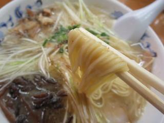 ラーメン無法松 本店 - 麺