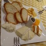 47833374 - チーズの盛り合わせ