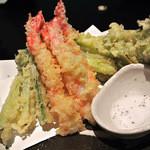 だんごや - 海老と山菜の天ぷら