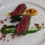 トラットリア・ラッキオ - 主菜 仏産ジェニスプリムール牛のグリエ 2種の野菜ソース