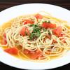アンチョビとトマトのペペロンチーノ