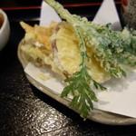 本格手打うどん あらた - 野菜の天ぷら