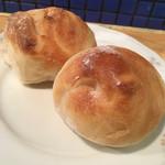 アンシャンテ - 自家製パン