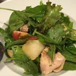 まつもと - 桃と蒸し鶏のサラダ 黒酢ドレッシング