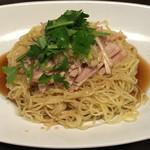 まつもと - 汁なし蒸し鶏の台湾和え麺