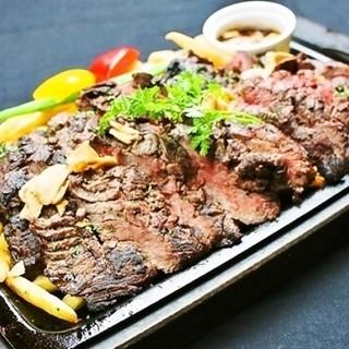 1ポンドステーキなど厳選素材のお肉料理が◎