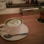 カフェ ウォール -