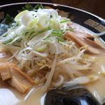 北海道らぁ麺 ひむろ - 札幌味噌ラーメン。焦がしの様な香ばしさがいい。