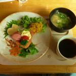 ドレミ♪カフェ・バンビーナ - 和モーニング「ハートのカップごはん」