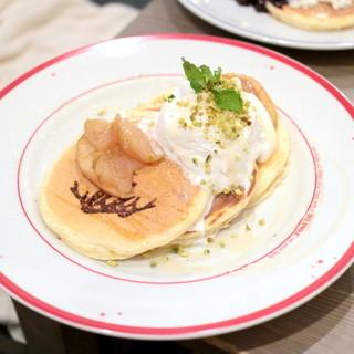 エルク - りんごとピスタチオのハニーパンケーキ (920円) '15 10月下旬