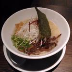 47861207 - 濃厚鶏白湯ラーメン 750円(消費税8%時)