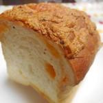 グリーンフィールド - 3種のチーズのワンローフ ¥210-