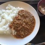 かき小屋 渡波 - 牡蠣カレー1,000円ランチタイムは100円引きです!