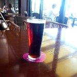 パームビーチ - 私の注文した、アサヒの生ビールのハーフ&ハーフ。目一杯ビールを入れて下さいました♪