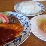 レストラン ティファ - 看板サイドメニューのカニクリームコロッケ(360円)も付けて貰いました。