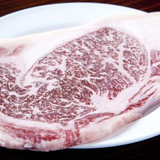 県産和牛のステーキも味わえます