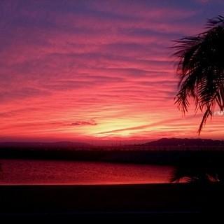 美しい夕日とライトアップ