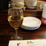 47884048 - 2016.03 黒板のお勧めワインから一番安い500円