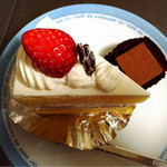 アリス洋菓子店 - 苺ショートケーキとチョコレート