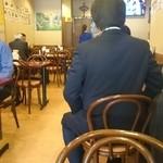 中華料理 東海飯店 - 店内