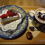 サザコーヒー - ホットココア(480円)、いちごタルト(550円)