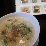 Orientaldining蓮 - ランチのカレーとフォーのセット