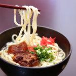 琉球堂写真店 - 料理写真:病み付きになる....この味  ソーキすば
