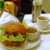 フェニックスバーガー - 料理写真:チーズバーガー、サラダ、スープ、コーヒー