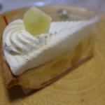 シュン - アップルチーズケーキ(360円)