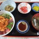 津軽海峡亭 - マグロうに丼
