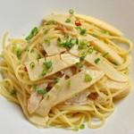 ランチ&バー 花菜 - 【春限定】筍と蒸し鶏のペペロンチーノ