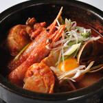 海鮮純豆腐チゲ (by ソゴンドン・トゥペギ)