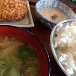 一汁三菜食堂 - 料理写真:コロッケ+とろろ芋+白米大+豚汁小(530円)を頂きました。