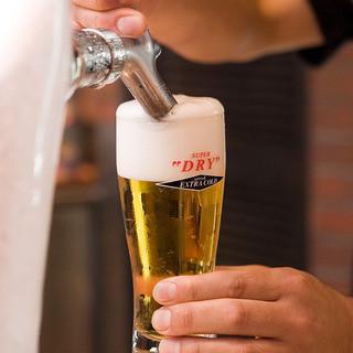新鮮なドラフト生ビールは国産から外国産まで豊富に取り揃え!