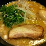 麺屋 封 - 味噌とんこつ(680円)