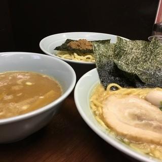 【こだわりのスープ】伊勢佐木町最強濃厚スープ