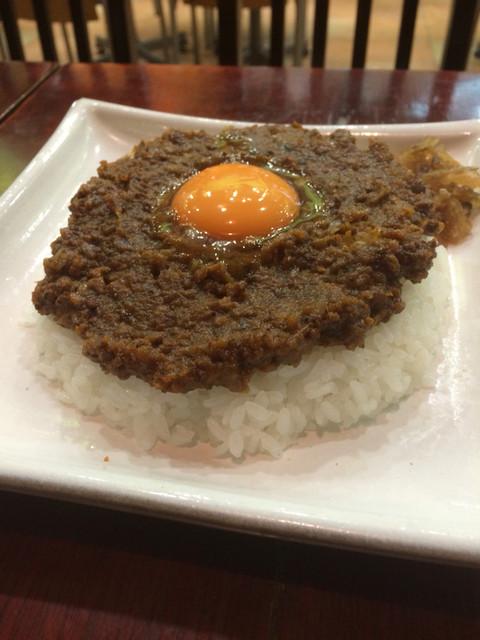 カフェ・ハイチ 川崎ルフロン店 - 目玉ドライカレー