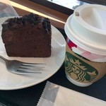 Sutabakkusukohi - 朝からこゆーいチョコレートケーキ!             今日はスタバのコーヒー2杯目100円!