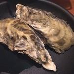 炎 - 焼き牡蠣‼️ うまさ濃縮した感じで美味い(^_^)