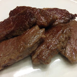 みょうが屋 - えんぴつ       宮崎牛の肉の旨み、ほのかな甘い脂が味わえます       今回は去勢肥育32ヶ月