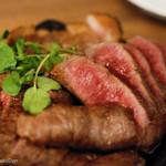 肉バル ゴリズキッチン - オリーブのニンニク漬け