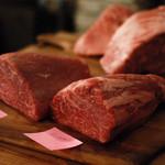 肉バル ゴリズキッチン - 霜降り:いちぼ・ともさんかく。 赤身;しんたま・ランプ。 豚肉:岩中豚ロース。