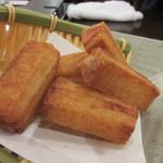 47937903 - ハトシ、魚のすり身をパンで挟んで揚げた長崎の名物料理、これはビールにぴったりでした。
