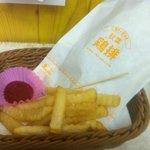 秋葉鶏排 - ポテト付き