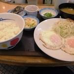松屋 - エッグW定食納豆小鉢。