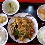 紅光 - 料理写真:ニラレバ炒め定食