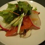 バール LAZY 2 - いろいろ野菜のサラダ