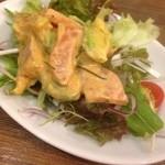 ピピテーブル - サーモンアボカドサラダ(ハーフ)