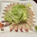 47952287 - 鯛しゃぶしゃぶです。お刺身でも食べられます。