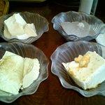 豆乃畑 - 左上から 「出来たて豆腐」「黒豆豆腐」「青豆豆腐」「変わり豆腐」